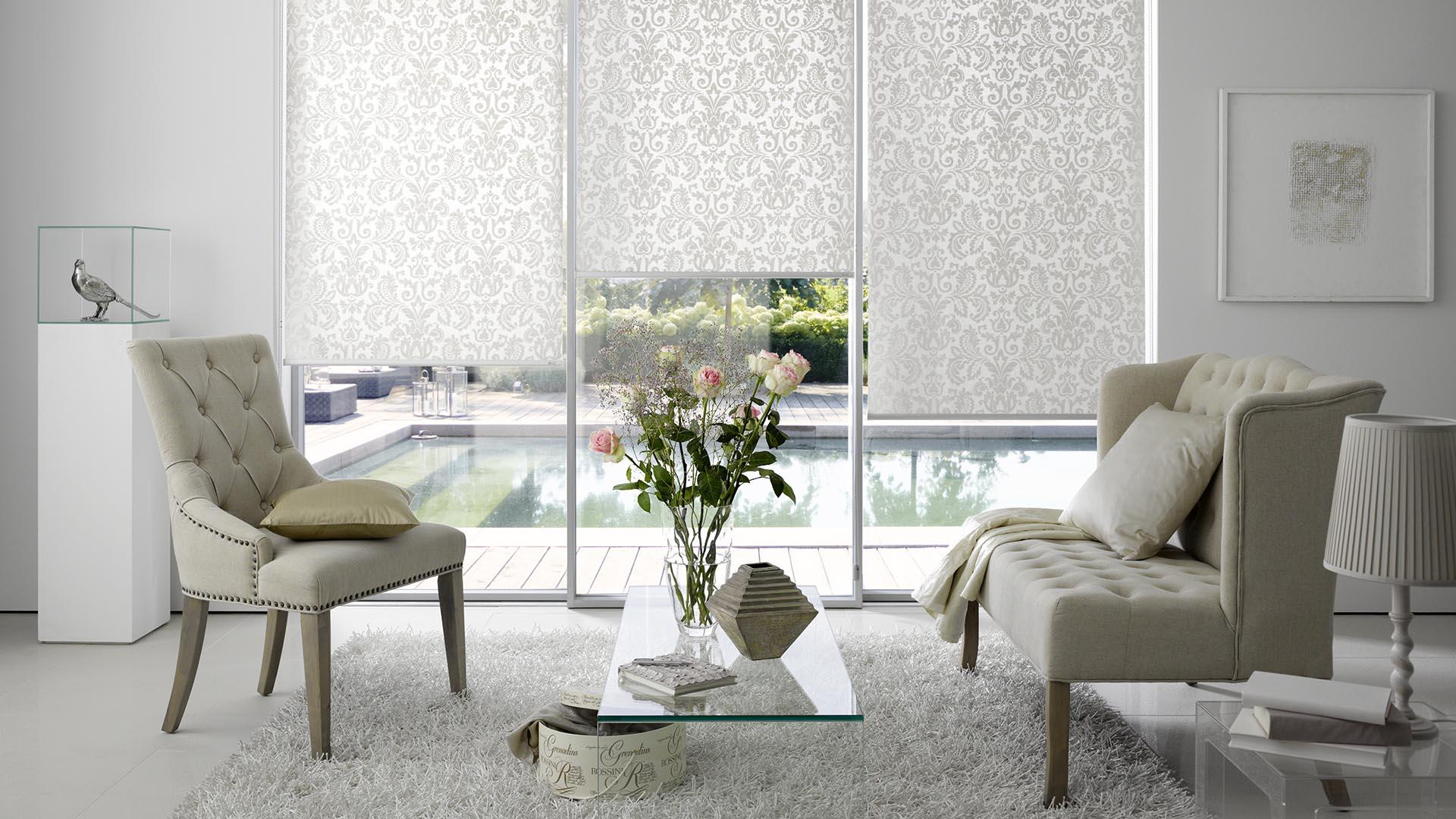 Rollos für große Fensterflächen